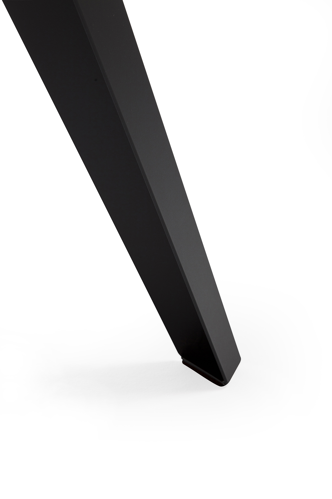 Ronde Tafel 130 Hoeveel Personen.Ronde Eettafel Belly L Kees Marcelis L Odesi Your Dutch Design