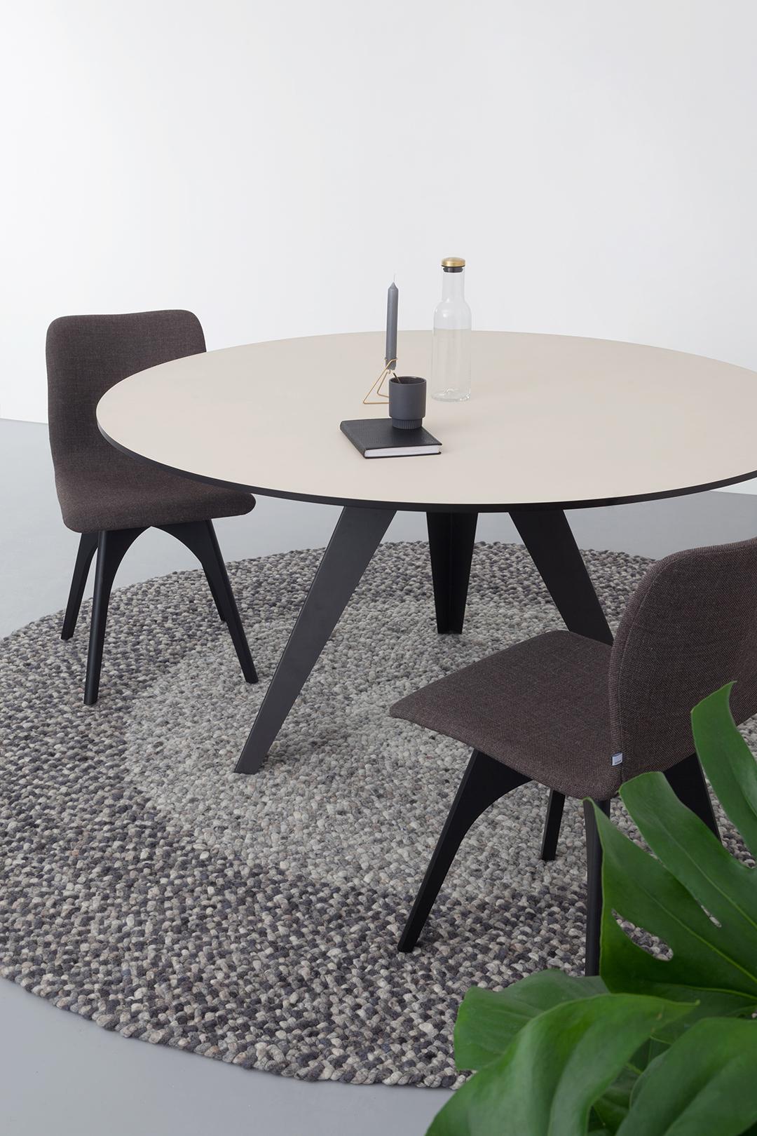 Eijerkamp Ronde Eettafel.Ronde Eettafel Belly L Kees Marcelis L Odesi Your Dutch Design