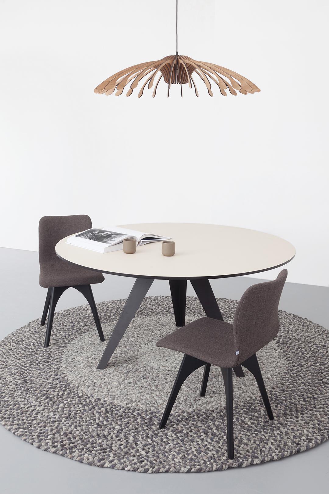 Verkoop Witte Ronde Eettafel.Ronde Eettafel Belly L Kees Marcelis L Odesi Your Dutch Design