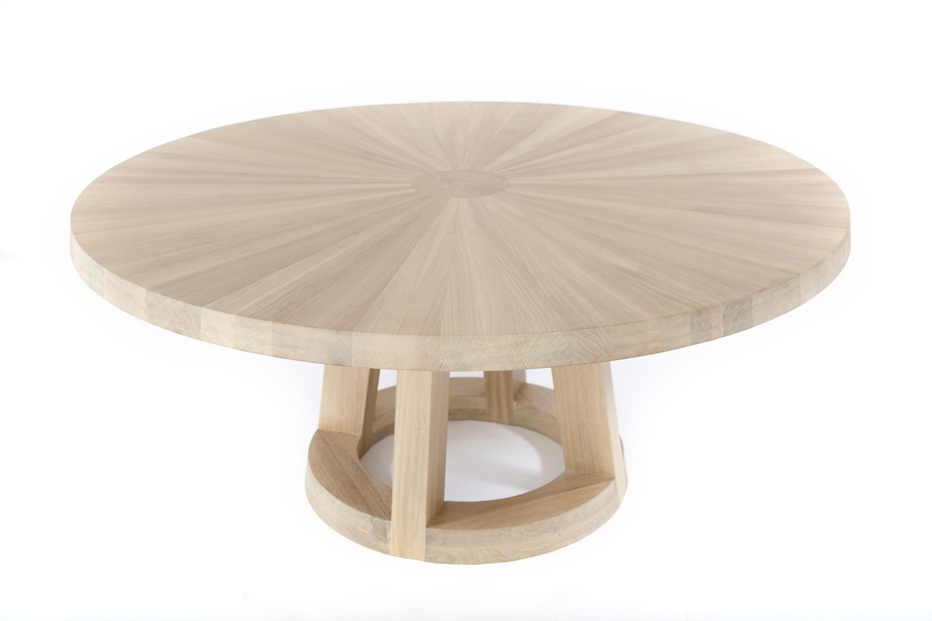 Grote ronde eettafels   Tafels in rond en groot formaat   Odesi
