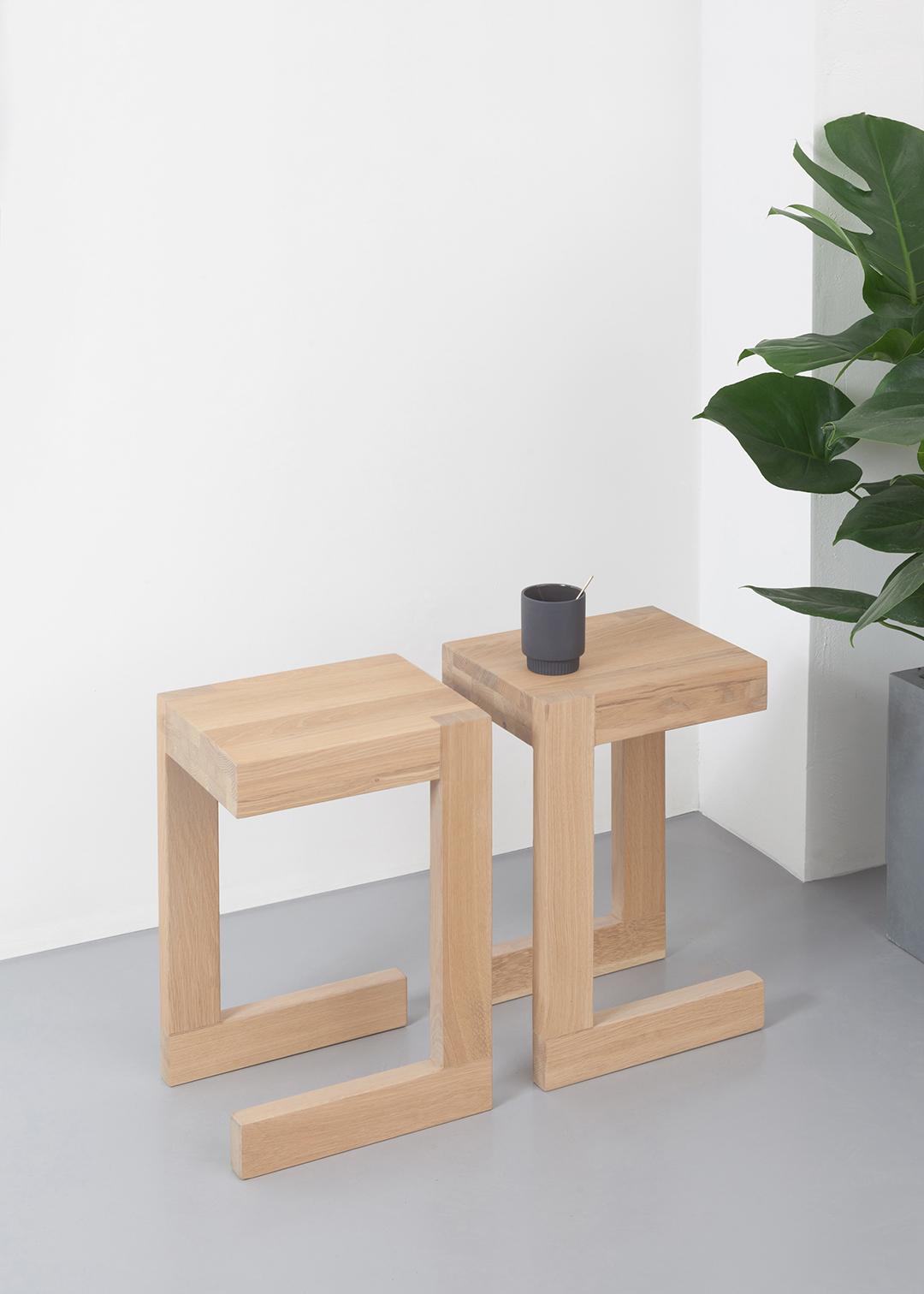 Donker Eiken Bijzettafel.Frames Design Bijzettafel L Erik Jansen L Odesi Dutch Design Online