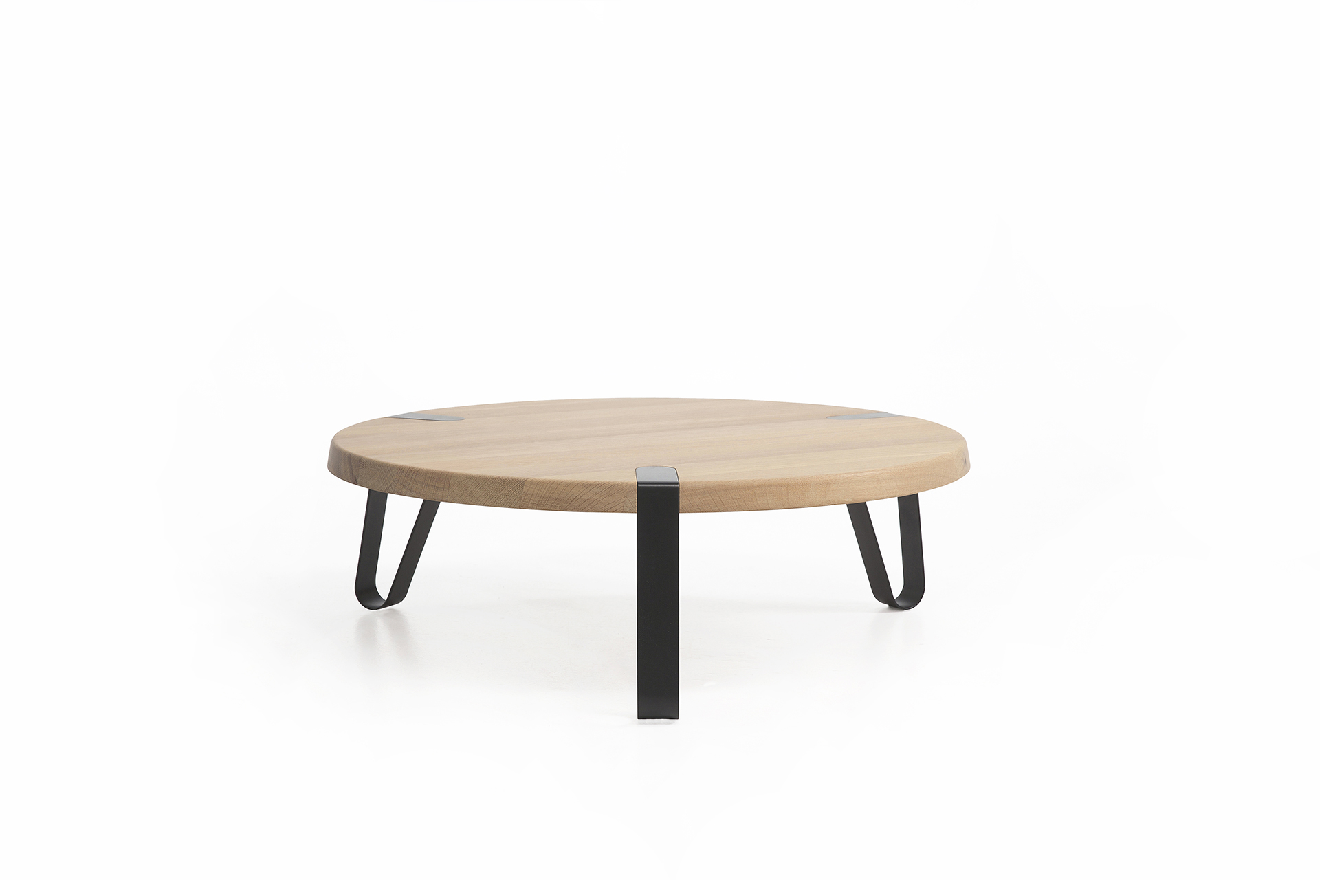 Salon Tafel Hout Rond.Level Rond Design Salontafel L Erik Remmers L Odesi Your Dutch Design