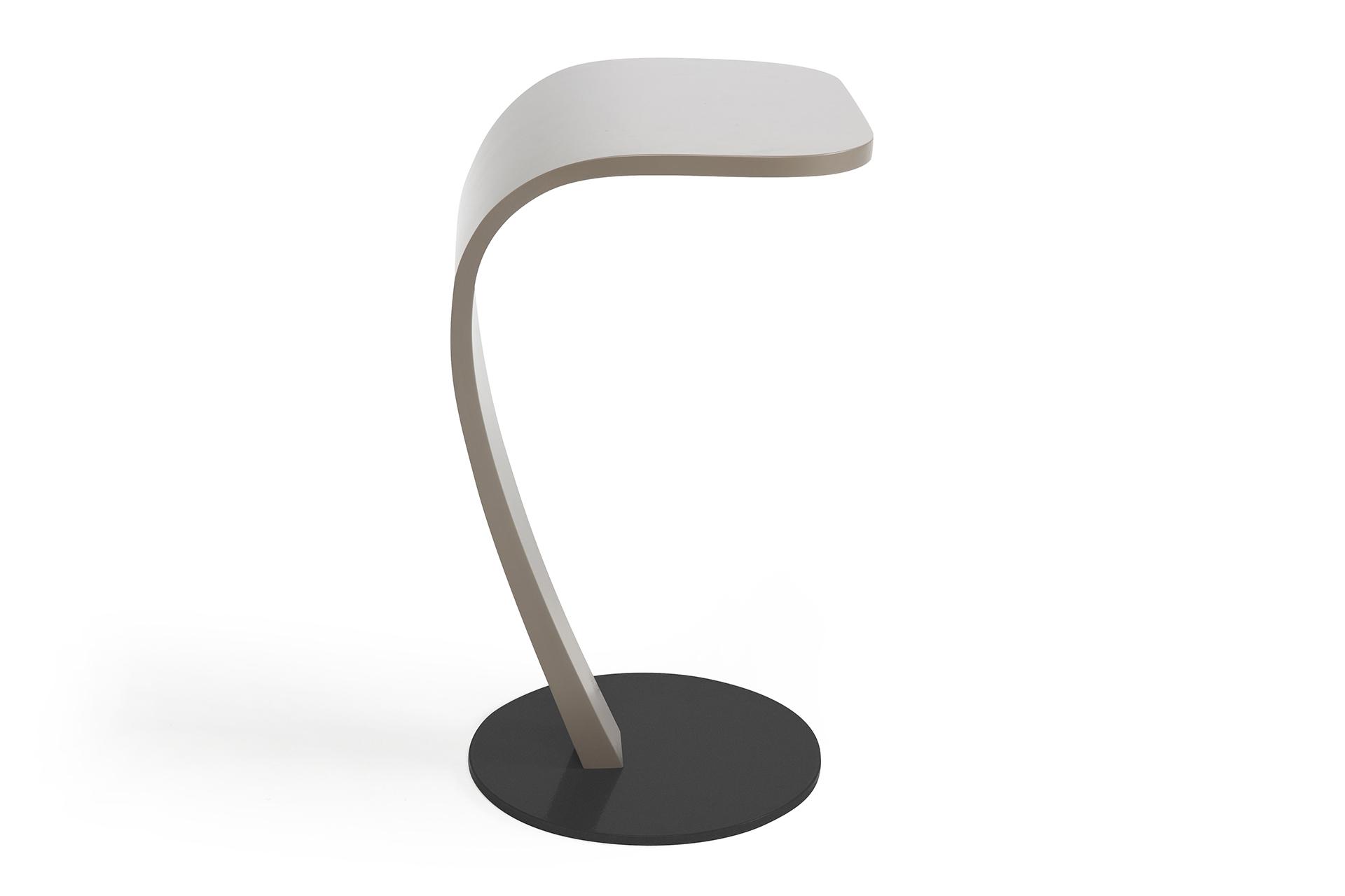 Bijzettafel Design Outlet.Design Bijzettafel Cobra Van Ontwerper Kees Marcelis